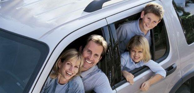 rodzina w samochodzie