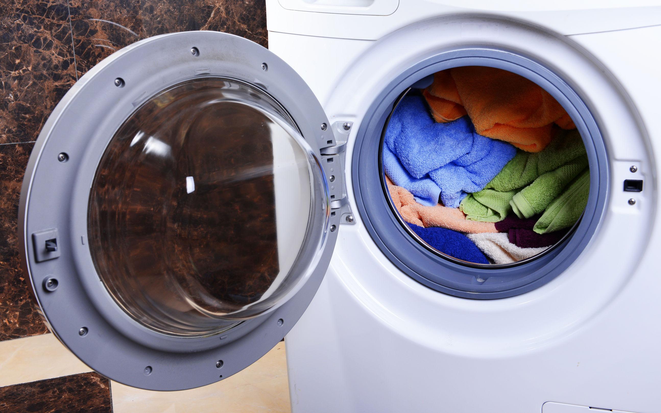 brzydki zapach z pralki