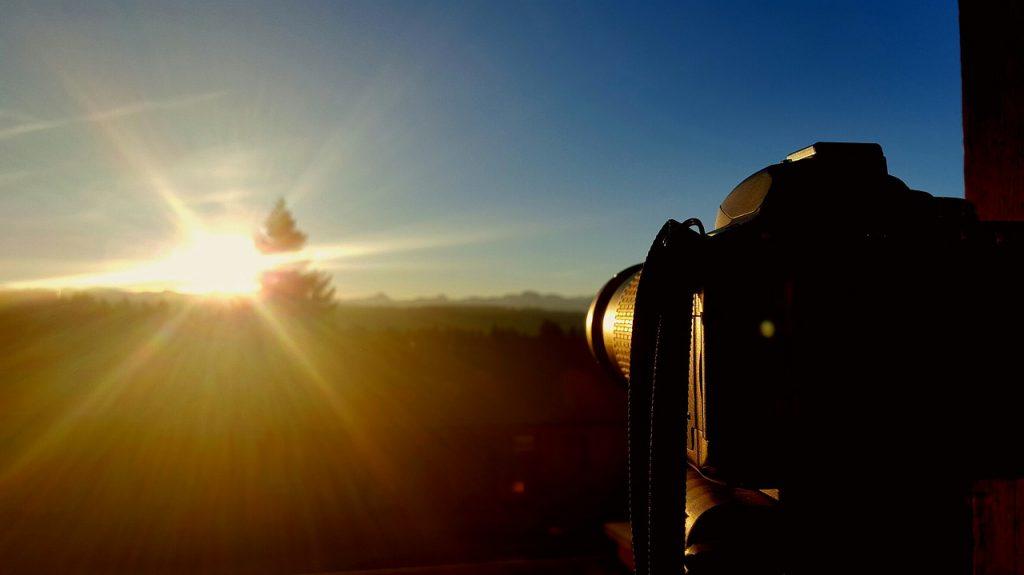Kurs obsługi lustrzanki pozwoli Ci fotografować w trudnych warunkach oświetleniowych